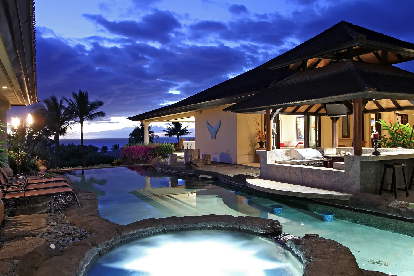 Maui Real Estate Blog News Trends Market Data Sales New - Luxury homes in maui